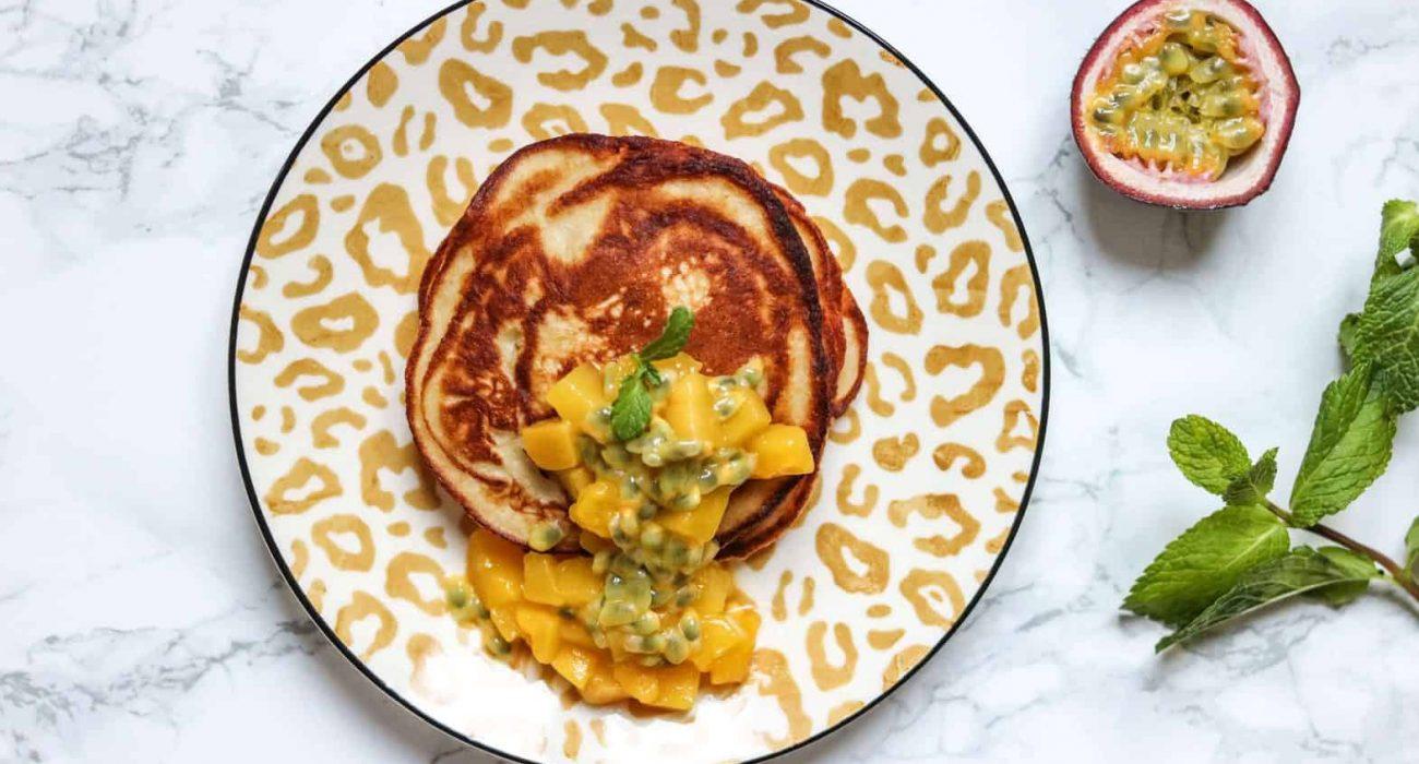 almond-banana-pancakes-1
